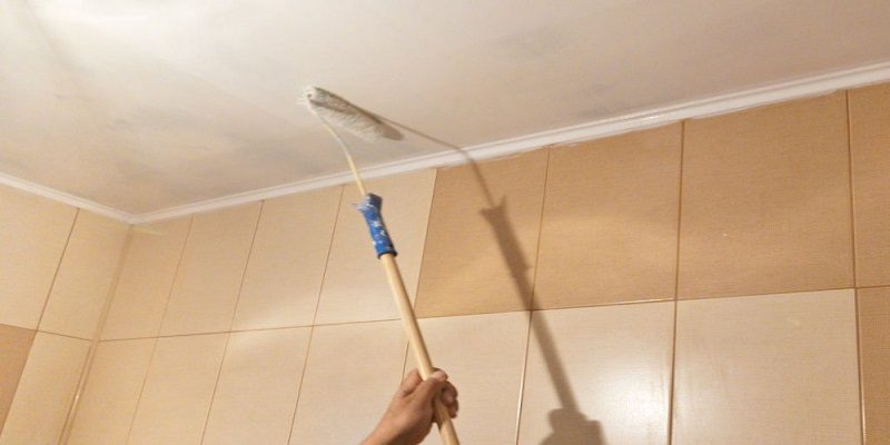 Краска для потолка в ванной комнате