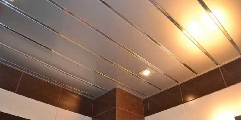 Панельный потолок в ванной