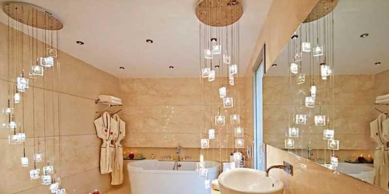 Как выбрать люстру в ванную комнату