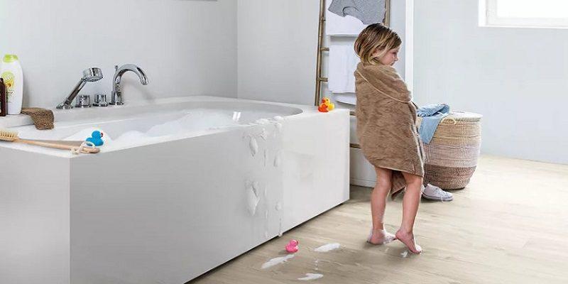 Зачем в ванной влагостойкий ламинат