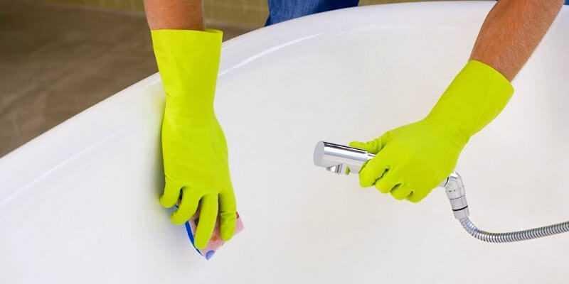 Чем мыть акриловую и чугунные ванны